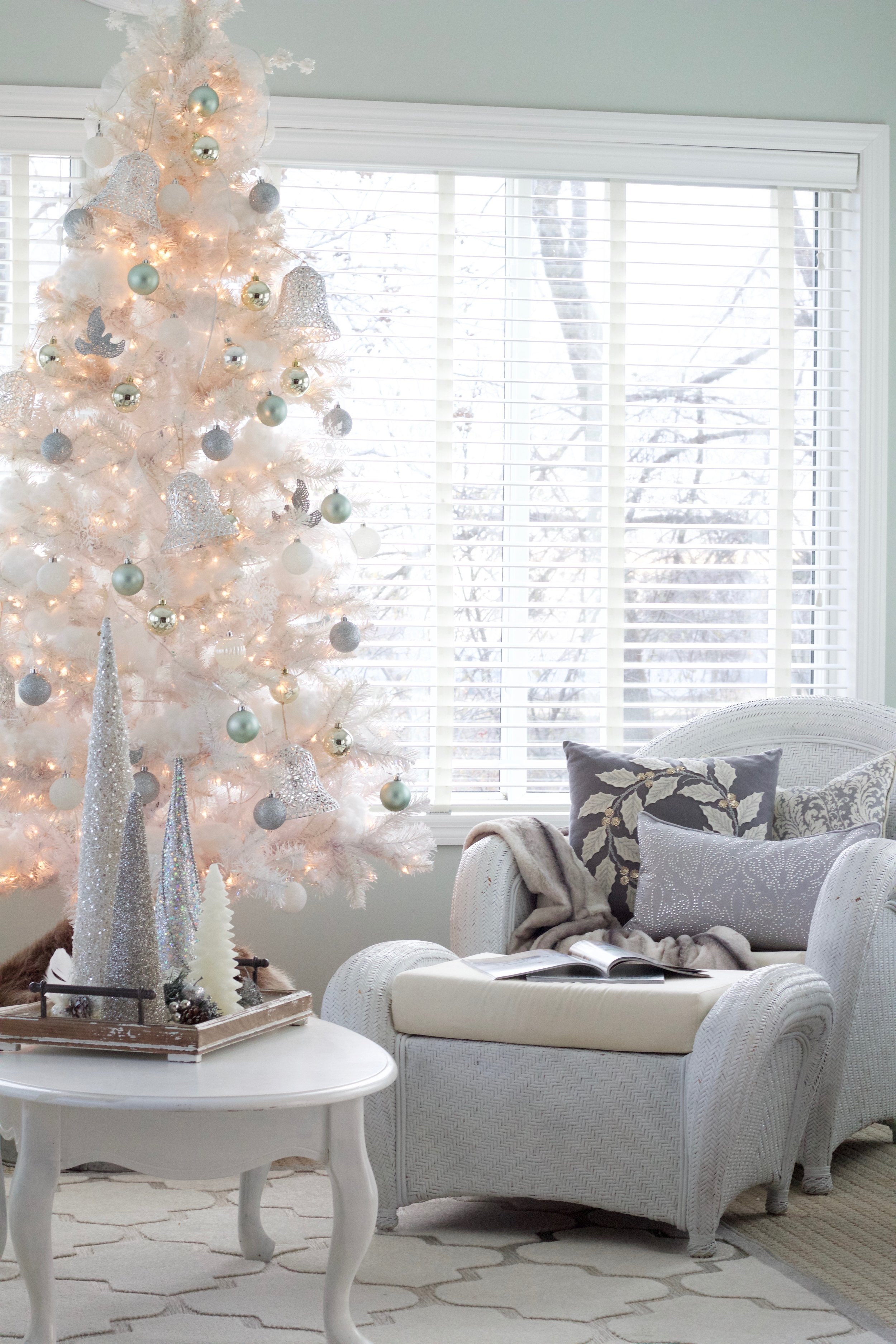 Christmas Home Tour 2017 - Styled With Lace